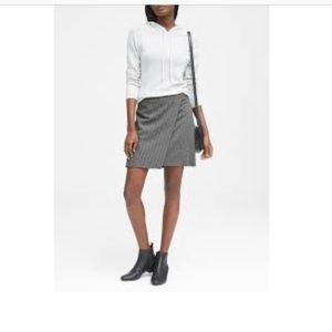 Banana Republic Lightweight Wool Metallic Skirt